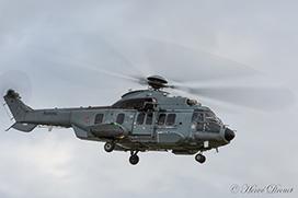 Hélicoptère en vol - 1/30s - flou de mouvement sur les pales