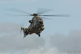 Hélicoptère en vol - 1/50s - flou de mouvement sur les pales