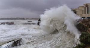Test protections contre la pluie et pantalon photo - Tempête sur Biarritz