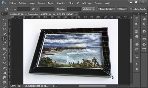 """Placement de la grille pour redresser les perspectives sous Photoshop avec l'outil """"Correction de perspective par recadrage"""""""