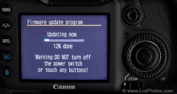 Mise à jour d'un firmware Canon - Jauge de progression et message de mise en garde