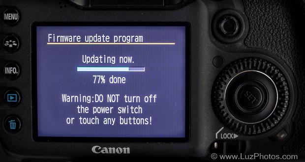 Message de mise en garde affiché lors de la mise à jour d'un firmware Canon