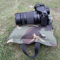 Idée cadeau pour un photographe : un bean bag pour stabiliser son appareil photo
