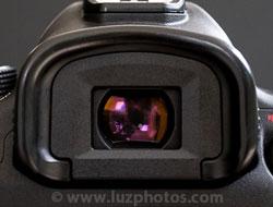 Confort de visée - l'oeilleton d'un viseur : gros plan sur le viseur du Canon EOS 5D mark III