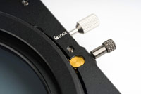 Filtre ND NiSi - Nouveau porte-filtre V6 avec détail du système de rotation du filtre polarisant et de système de verrouillage